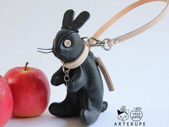 ブラック うさぎのピョートルはキーポーチUsagi no Pyotr イタリア製シュリンクレザー使用の画像