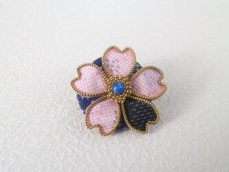 桜のブローチ(大島紬)ピンク 9001の画像