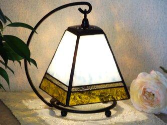 アンティーク・小さなランプ(イエロー)ステンドグラスの画像