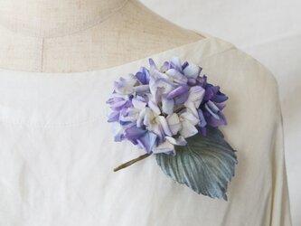 染の草花・紫陽花のコサージュ(M)/コーム付き【受注制作】の画像
