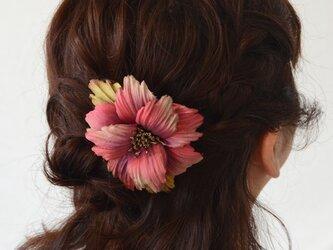 染め花・蝶の羽花のコーム(ブローチピン付き)の画像