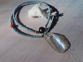 銀化!大きなローマングラスの一粒ネックレスの画像