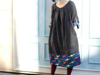 裾手織り生地のハーフリネンワンピース【ブラック】の画像