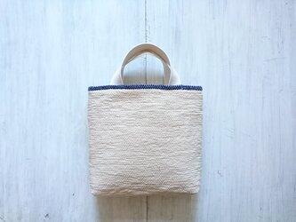 裂き織りのちょっと小さなおさんぽバッグ ミルクベージュの画像