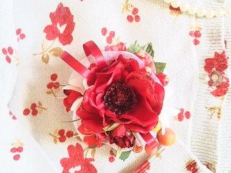 **irodoru**魅惑の真紅**美しいアネモネの花飾り。。**の画像
