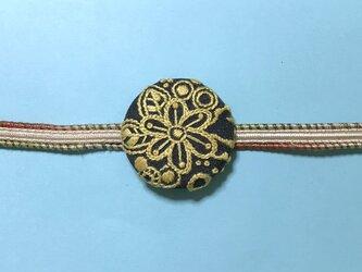 手刺繍ブローチ*レースフラワー(黄)の画像