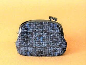 着物リメイクがまぐち《くし》 大島紬・黒×紺格子の画像