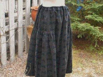 やわらかコーデュロイのふんわりフェミニンスカート(チャコール)の画像