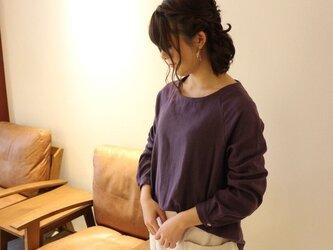 【受注生産】 ふんわりダブルガーゼのシンプルなカフス仕様のプルオーバーブラウス(パープル)の画像