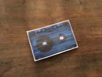 馬革 ブルー 転写プリント カセットテープ ポーチの画像