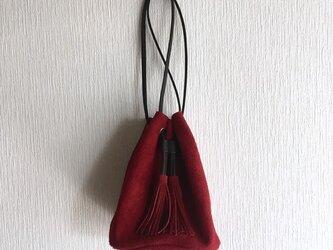 牛床ベロアのタッセル付2WAY巾着バッグ【ワインレッド】の画像
