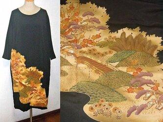 着物リメイク♪梅・松・花模様が素敵なアンティークの留袖ゆったりワンピース♪ハンドメイド♪の画像