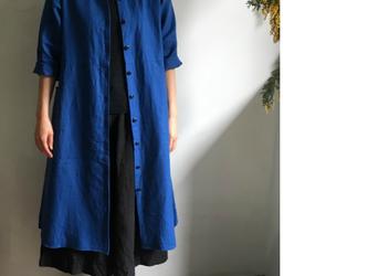 初秋にブルーリネンのラボ・ロングドレス<ラウンドカラー>柔らかい上質のリネンの画像