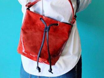 カジュアル大人レッド 巾着 2WAY ハンドバッグ ショルダーバッグ 本革 むら染め レッドの画像