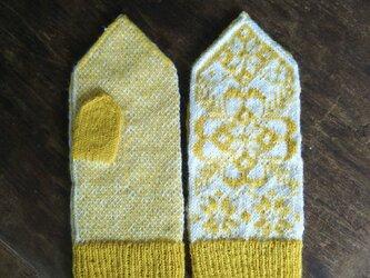 シェットランドウール100%*手編みのミトン*ロシアのお花柄*ニット*手編み*イエロー&ホワイトの画像