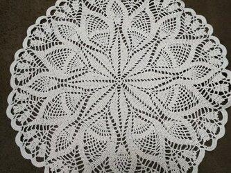 手編みレースドイリー直径約29㎝の画像