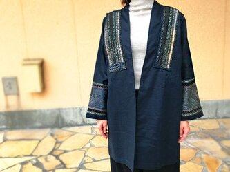藍染上質ヘンプ、民族刺繍古布のリメイク創作ジャケットの画像