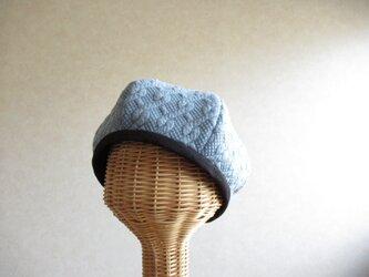 6枚はぎのベレー帽 ケーブル模様、ブルーの画像