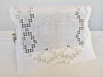 ハーダンガー刺繍のティーマットの画像