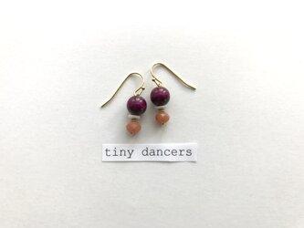Tiny Dancers ピアス NUTS&BERRIESの画像