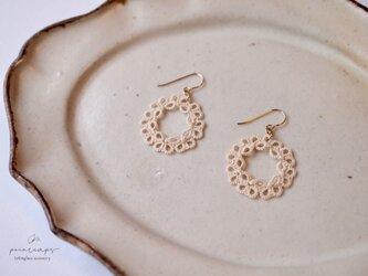タティングレース リースモチーフピアス  ecru  受注制作の画像