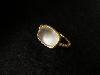K18 Moon stone pyramid Ring の画像