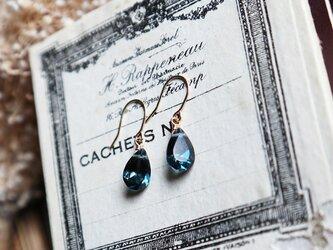 【K18】宝石質ロンドンブルートパーズの一粒ピアスの画像