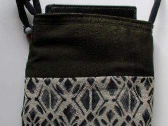 送料無料 縮緬の留袖と着物で作ったスマホポーチ 4030の画像