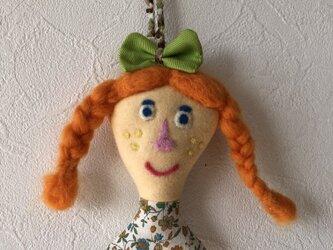 女の子の人形 Bの画像