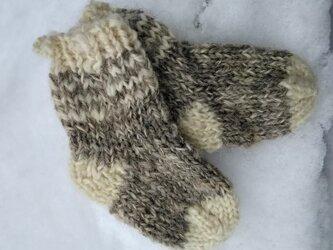 再販 肌にやさしい手紡ぎ糸のベビー手編み靴下 ツートンしましまの画像