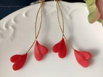 『送料無料』heart クロッシングイヤリング(赤) / ポリマークレイの画像
