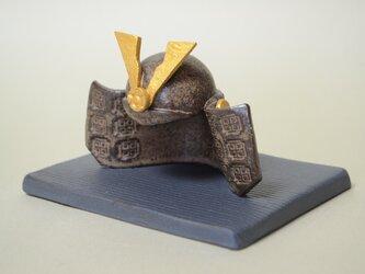 かぶと (陶器)の画像