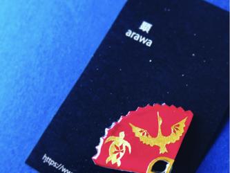 緋扇 -Hiogi- 鶴亀 (ブローチ)【和柄アートアクセサリー】の画像