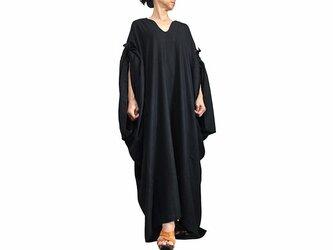 柔らかヘンプのエレガントカフタンドレス 黒(DNN-090-01)の画像