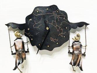 双子の月 (金属の壁掛け時計)の画像