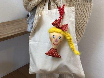 女の子の人形 Eの画像