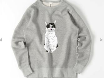 みーこ おすわり トレーナー スウェット 猫 白黒猫 ねこ 保護ねこ メンズ レディースの画像