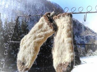 飛騨高山で生まれた肌にやさしい手紡ぎ糸のベビー手編み靴下 アラン模様の画像