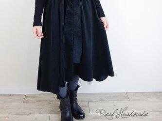 [予約販売]シャツコールブラックヘム変形スカートの画像