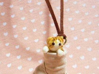 にゃんこのしっぽ〇くしゅっとブーツのネックレス〇スコティッシュ猫の画像