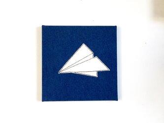 ファブリックパネル 紙の飛行機の画像