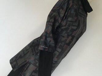 0127    着物リメイク    M寸法のチュニック    大島紬    抽象模様の画像