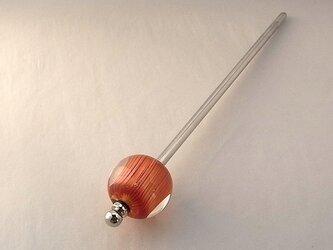 ひだ文様・朱・かんざし・一本脚・ガラス製・とんぼ玉の画像