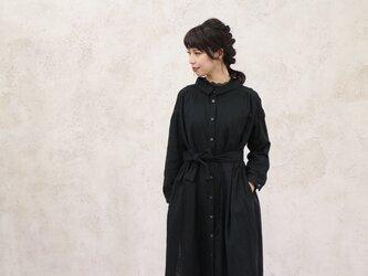 【受注生産】立体裁断で魅せる、こだわり抜いたバックタックデザインシャツワンピース(ふわふわダブルガーゼ・ブラック)の画像