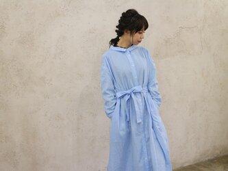 【受注生産】立体裁断で魅せる、こだわり抜いたバックタックデザインシャツワンピース(ふわふわダブルガーゼ・ミルキーブルー)の画像