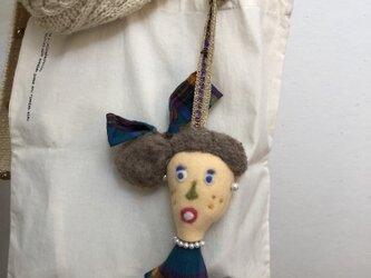 女の子の人形 Iの画像