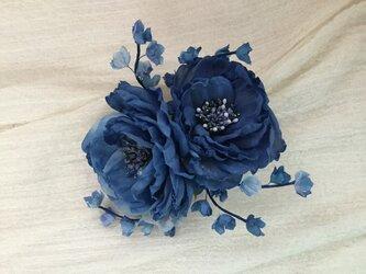 ブルー薔薇鈴蘭の画像