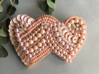 ビーズ刺繍ハートのバレッタ♡ベビーピンクの画像