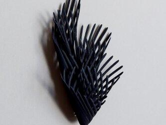 フレア 黒 ブローチの画像
