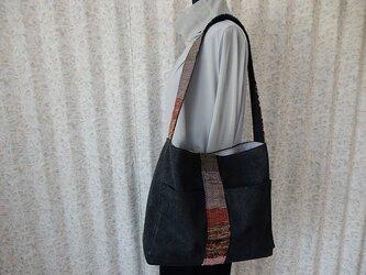★セール★ 裂き織りと帆布のショルダーバッグ(スミクロ)の画像